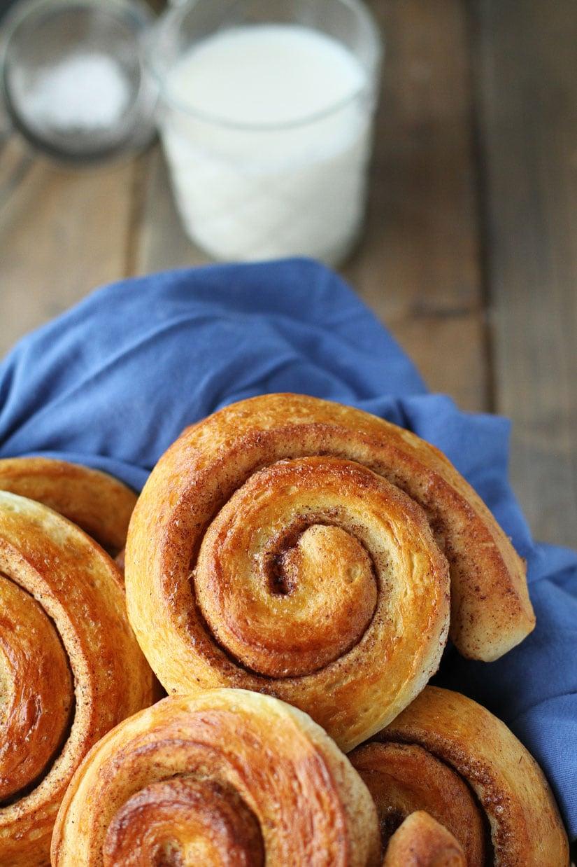 The Best Ever Easy Fluffy Cinnamon Rolls