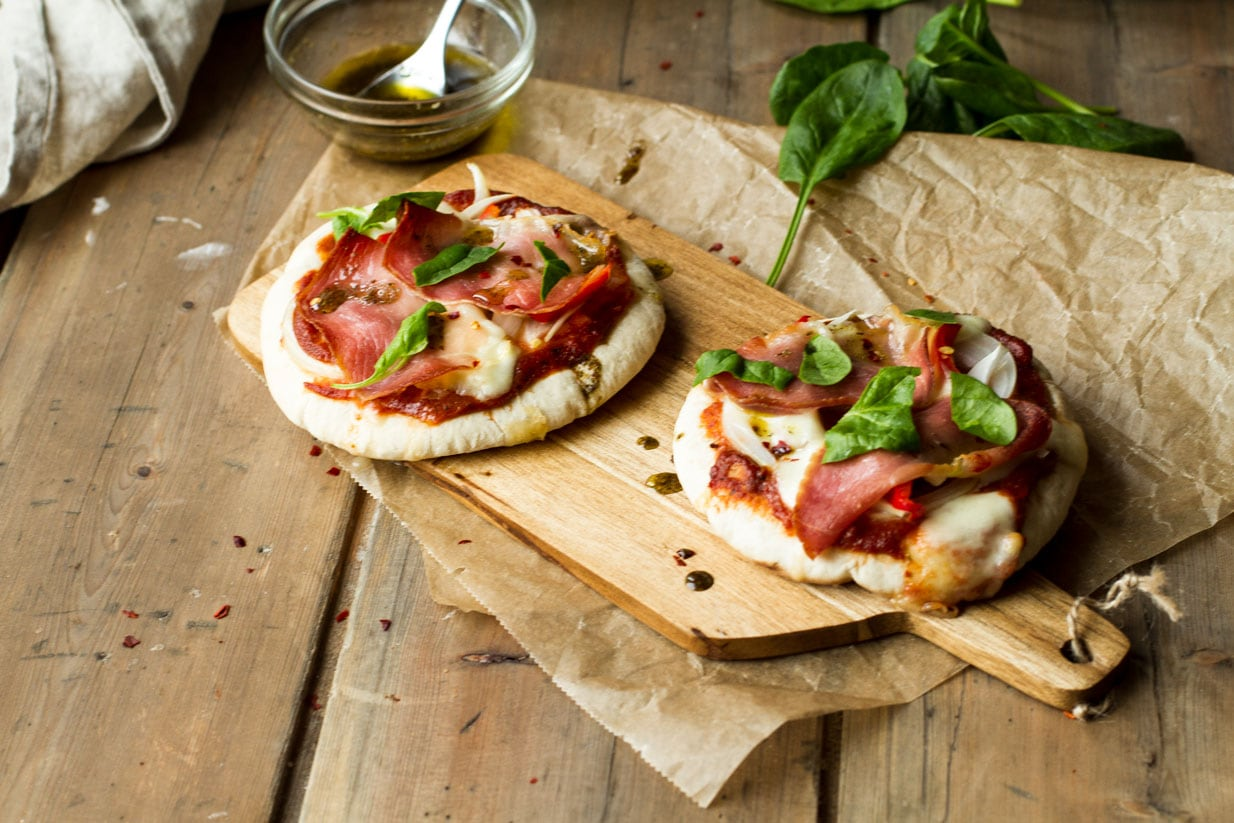 Serrano Ham and Mozzarella Pita Pizza