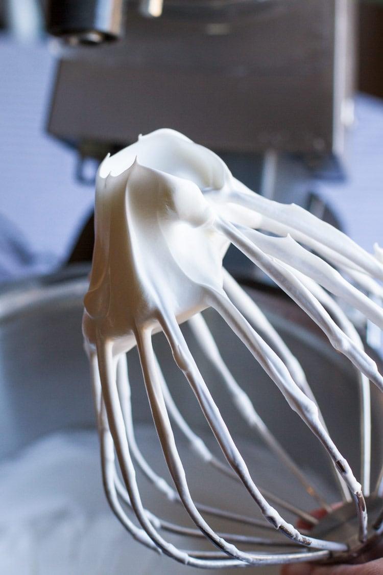 Whipped meringue for pavlova recipe