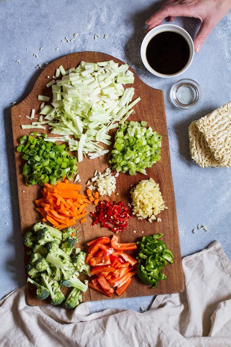 Ingredients to make Vegetarian Lo Mein