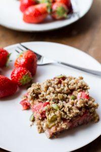 Healthy Strawberry Rhubarb Oatmeal Bars (Vegan)