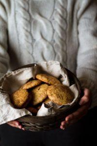 Soft Cinnamon & Banana Snickerdoodle Cookies